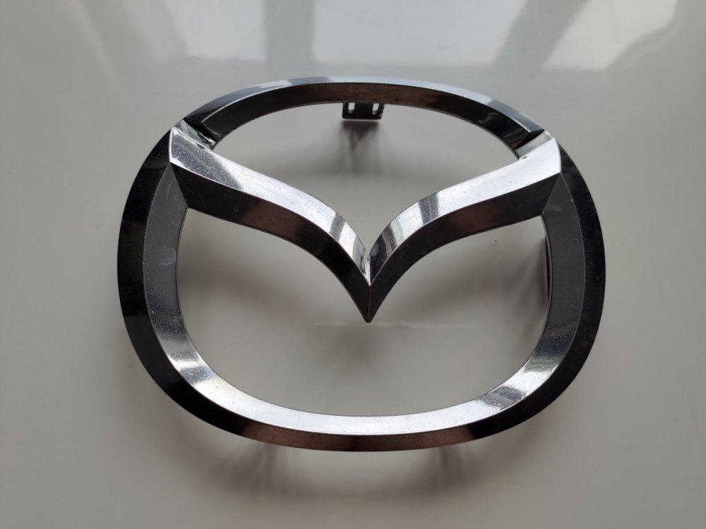 Эмблема Mazda 3.jpg